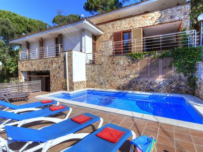 Photo for This 6-bedroom villa for up to 10 guests is located in Lloret De Mar and has a private swimming pool