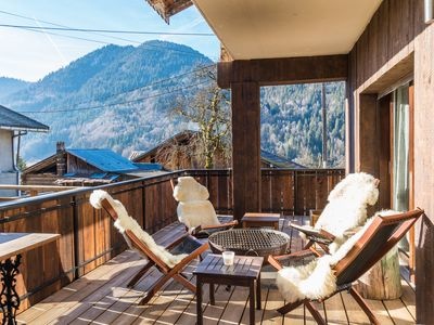 Photo for Beautiful 3 dbl bed, 3 bath chalet 5 mins from Morzine and the Portes du Soleil
