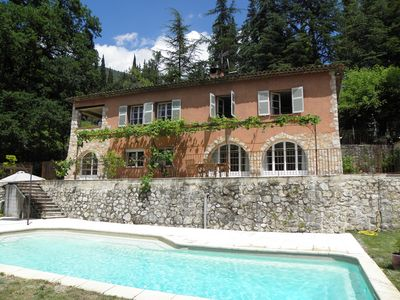 Photo for Charming Provencal house with private pool in a rural setting.
