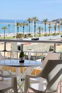 Photo for Terrace with sea view and parking in La Pineda. Beach at 200m
