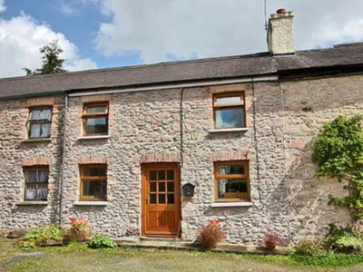 Photo for 2 bedroom property in Llandovery. Pet friendly.