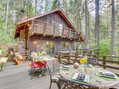 Photo for Dog-friendly cabin in Lilac Park with shared pool, free WiFi, near skiing