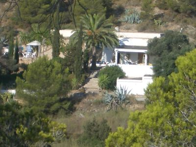 Photo for 5 bedroom house 100m from the beach