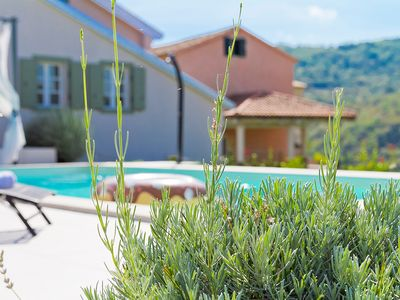 Photo for Family - friendly house with pool near Motovun
