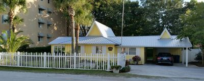Photo for 4BR Cottage Vacation Rental in St Simons, Georgia
