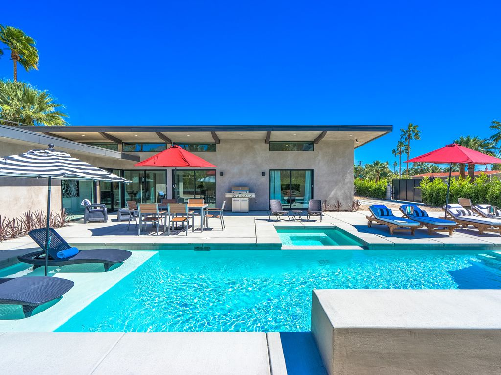 Best In Palm Springs 5 Bedrooms Amp All En Suite Baths At