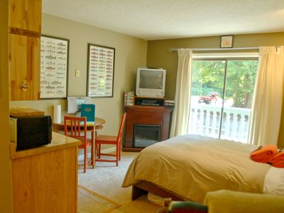 Photo for Baker Lodging – Condo #37 – ECONOMICAL, CONVENIENT, KITCHENETTE, SLEEPS-2!