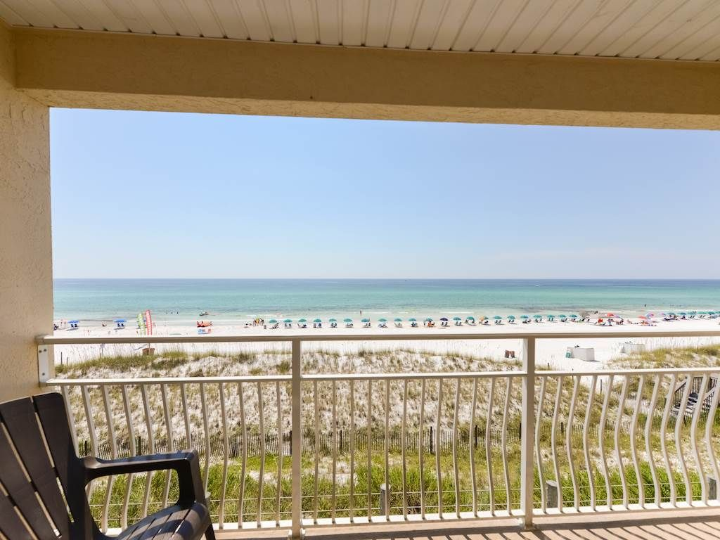 Crystal Sands 202B: 1 BR / 1.25 BA condominium in Destin, Sleeps 6