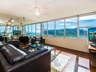Photo for Exhilarating Views Of Diamond Head And Waikiki