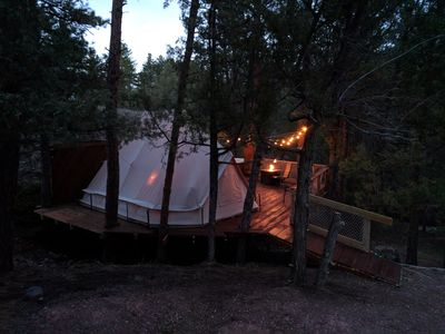 Sibley tent @EvansCliff, Hot Tub on elev tree deck. Romantic.
