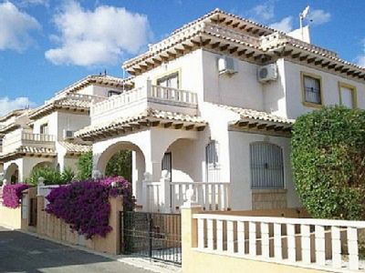 Photo for 2 bedroom villa sleeps up to 7 with free wifi
