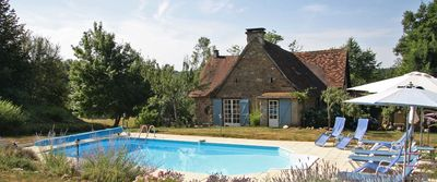 Photo for Charming cottage with swimming pool