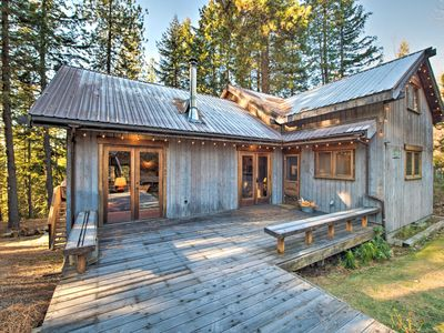 Photo for NEW! Cabin w/ Hot Tub - 14 Miles to Leavenworth!