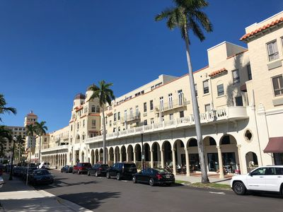Photo for Tropical One Bedroom Condo in the Heart of Palm Beach