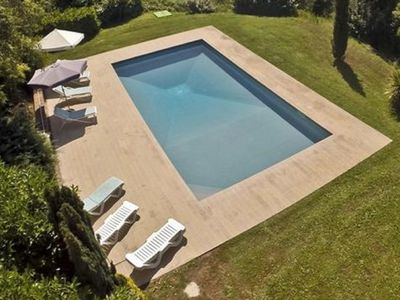 Photo for Stunning 6 bed Tuscan farmhouse with pool and tennis court, near Cortona