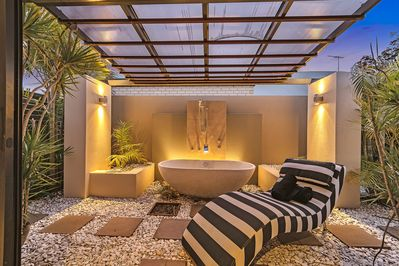 Outdoor Bath with Hot water