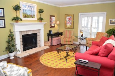 Living Room With Comfortable Seating For Six Guests