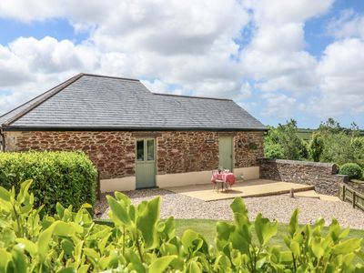 Photo for BEECH COTTAGE, pet friendly, with a garden in Tregony, Ref 983952