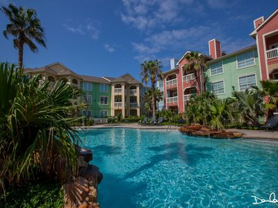 Romantic Get-Away! OCEAN/BEACH VIEW! Close to all major attractions! SPA; POOLS