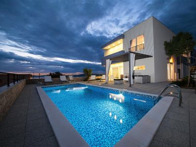 Photo for Luxury Villa Red Silk with Heated Pool