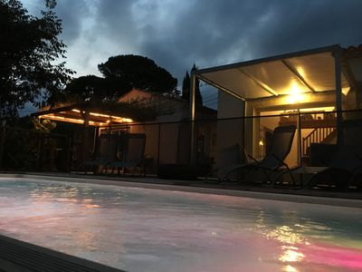 Photo for Villa air-conditioned between sea and garrigue with swimming pool, 1200m2 of ground. 6 sleeping arrangements
