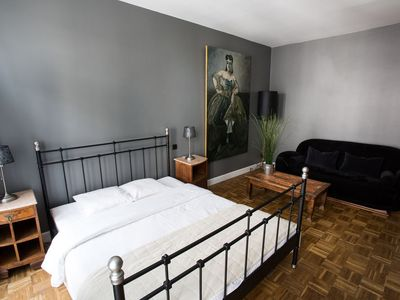 Photo for B&B La Casa-BXL - Near La Grand Place