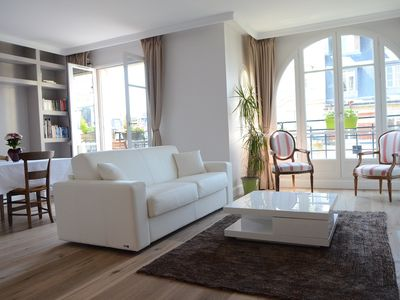 Photo for Fully renovated 2 bedrooms flat with balcony 75m2
