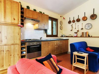 Photo for Il Ponticello - restored cottage with mountain and lake views, close to Cortona