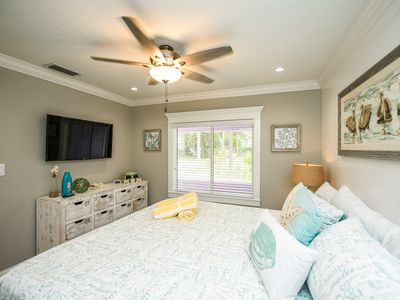 Photo for Tropical Breeze Resort - Full Kitchen. Short Walk to Siesta Key Village and Beach. 2 Private Patios. INCLUDED: Daily Housekeeping, Bikes, 2 Pools/1 Spa, Beach Chairs, Beach Towels, WiFi, Parking , Games, BBQs and More!