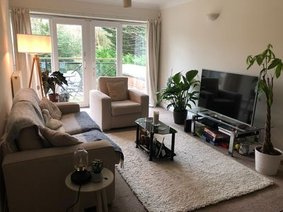 Photo for Light, modern and spacious London apartment (20 minutes to central London)