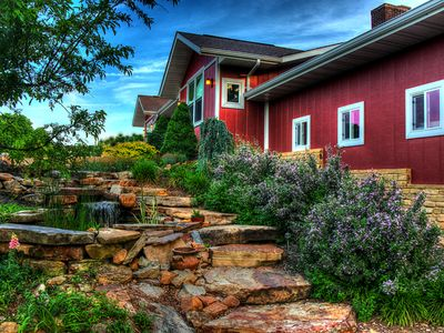 Spirit Hill Guest House And Gardens With Breathtaking Missouri River View