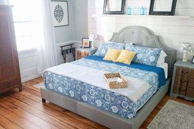 An extremely comfortable king bed.
