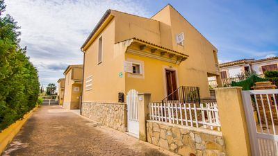 Photo for Port D´Alcudia, Residential villa near the beach, beautiful views of the mountains and lake