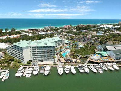 Photo for Spacious, waterfront condo w/ a shared, outdoor pool & on-site water park!