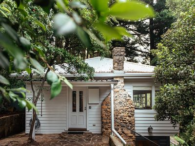 Photo for Heaven in the Hills - delightful Hills Cottage set amidst treetops Mt Dandenong