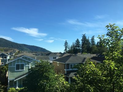 Photo for Issaquah Highlands Townhome with views of Tiger Mountain