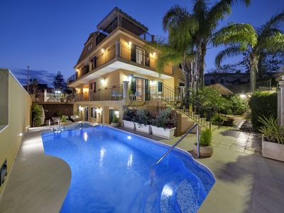 Photo for Charming Villa with pool in Marina di Ragusa. Ideal for groups.