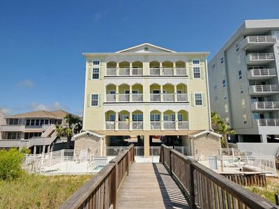 Aces Wild Spade, Oceanfront 6 Bedroom Home with a Pool, Great for Large Groups