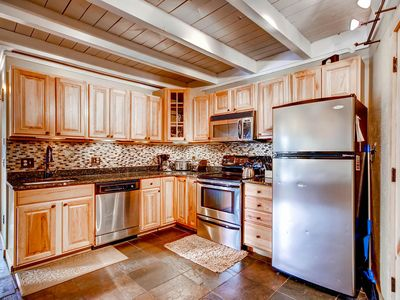 Photo for Upgraded Condo, Great Location/Price, 2BR/2BA, Sleeps 6