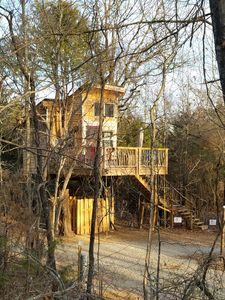 Creek Treehouse thru the woods from the ramp going to the Choctaw Treehouse