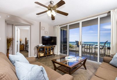Enjoy this amazing view of the beach right from your condo! - Enjoy this amazing view of the beach right from your condo!