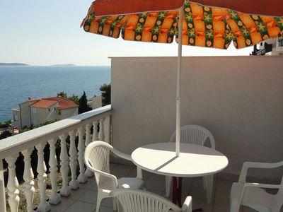 Photo for Two bedroom apartment with terrace and sea view Bušinci, Čiovo (A-11232-g)