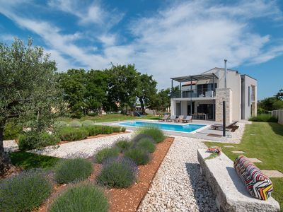Photo for LOUNGE KAPELANA - Exclusive modern villa in Istria in rural tranquility