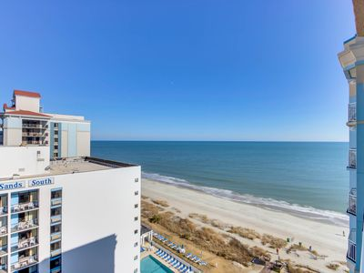 Photo for Charming oceanfront condo with panoramic views