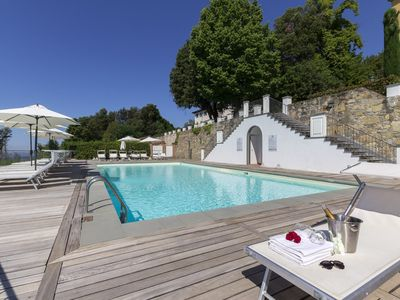 Photo for 3 bedroom Apartment, sleeps 4 with Pool, FREE WiFi and Walk to Shops