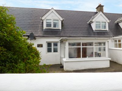 Photo for SALTHOUSE, pet friendly in Fethard-On-Sea, County Wexford, Ref 959462