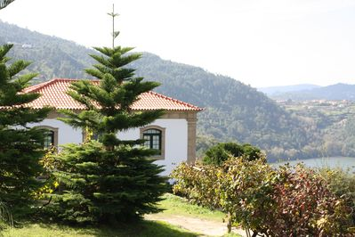 View from the pool towards the mainhouse and river Douro.