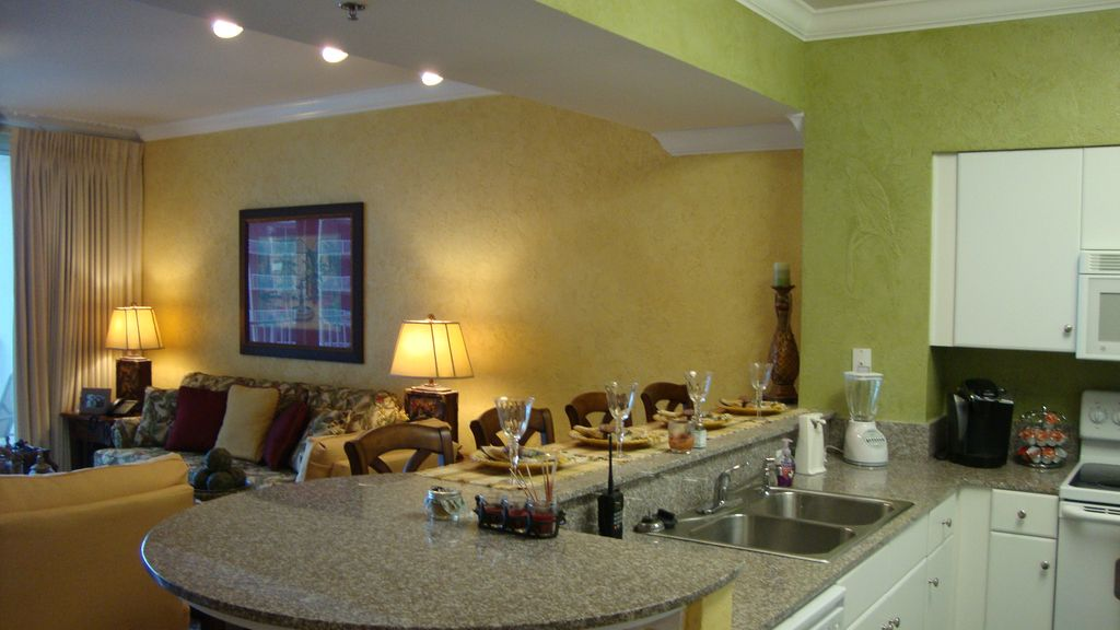 Shores of panama 13th floor vrbo for 13th floor reviews