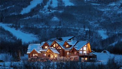 Photo for Iconic Luxury + Hot Tub + Pool Table + Movie theater + Ski Shuttle - Lookout Lodge