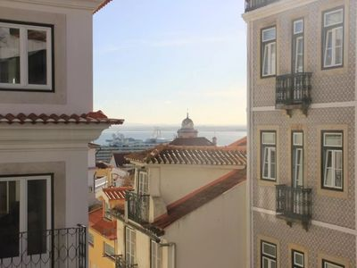 Photo for Cozy and bright apartment Alfama - beautiful river view